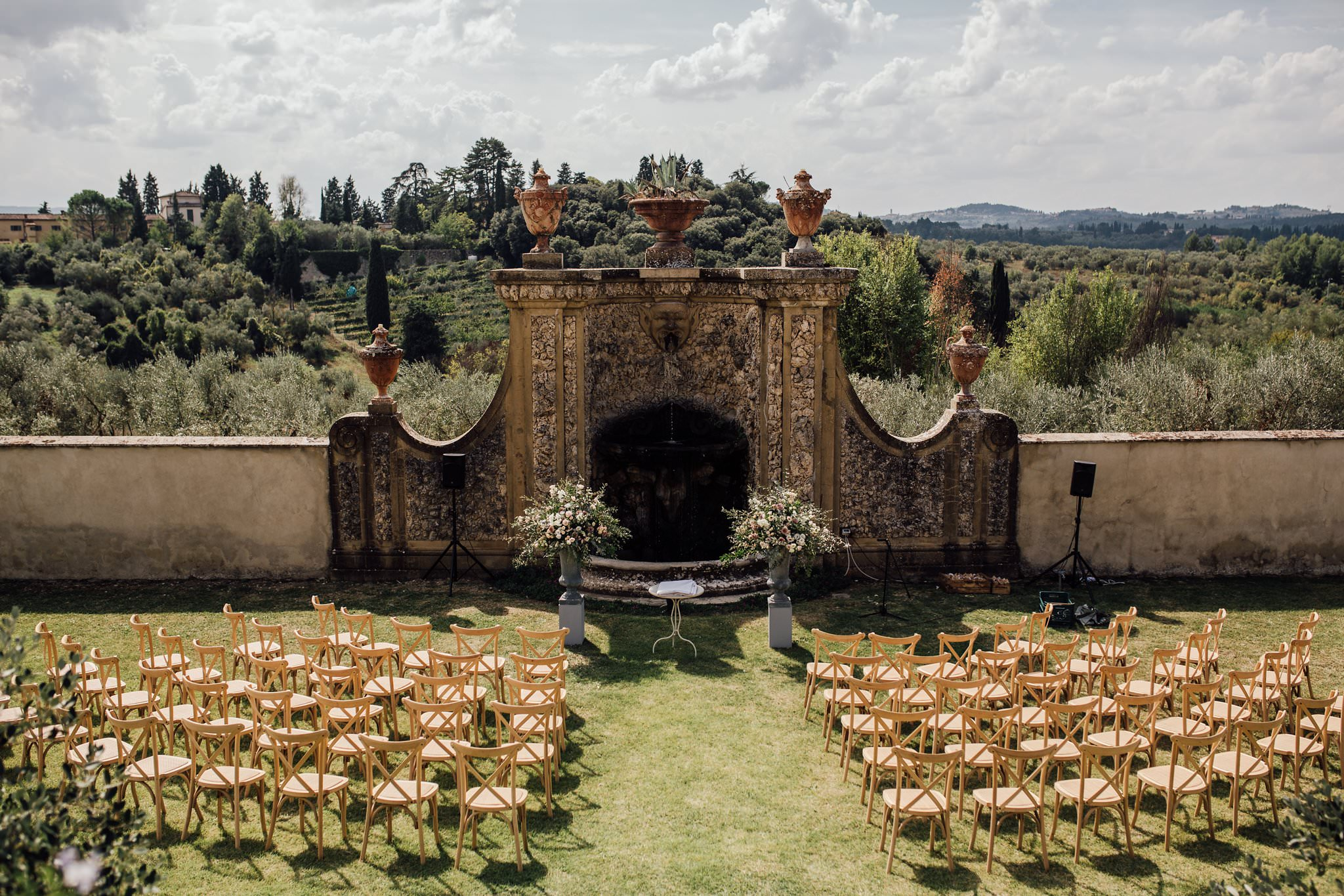 outdoor ceremony location in the Tuscan hills