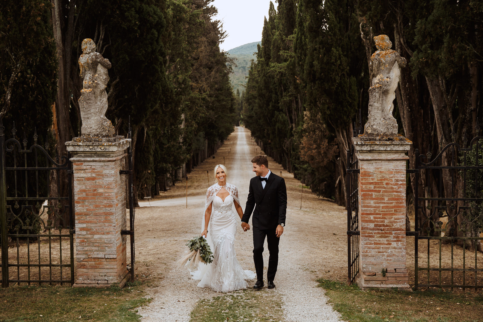 bride and groom portrait at Borgo Stomennano Wedding